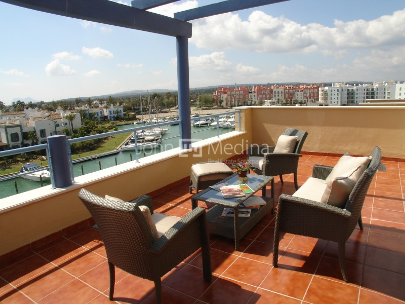 SPECTACULAR PENTHOUSE IN SOTOGRANDE MARINA WITH AMAZING VIEWS