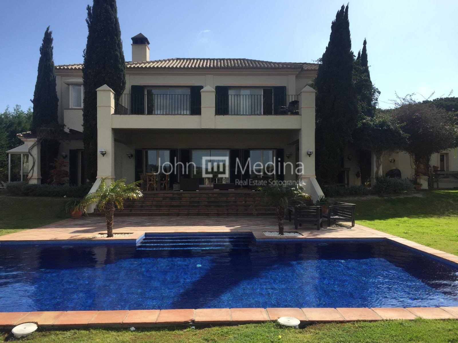 MAGNIFICENT VILLA WITH PANORAMIC VIEWS OF THE MEDITERRANEAN SEA AND GOLF COURSES OF ALMENARA